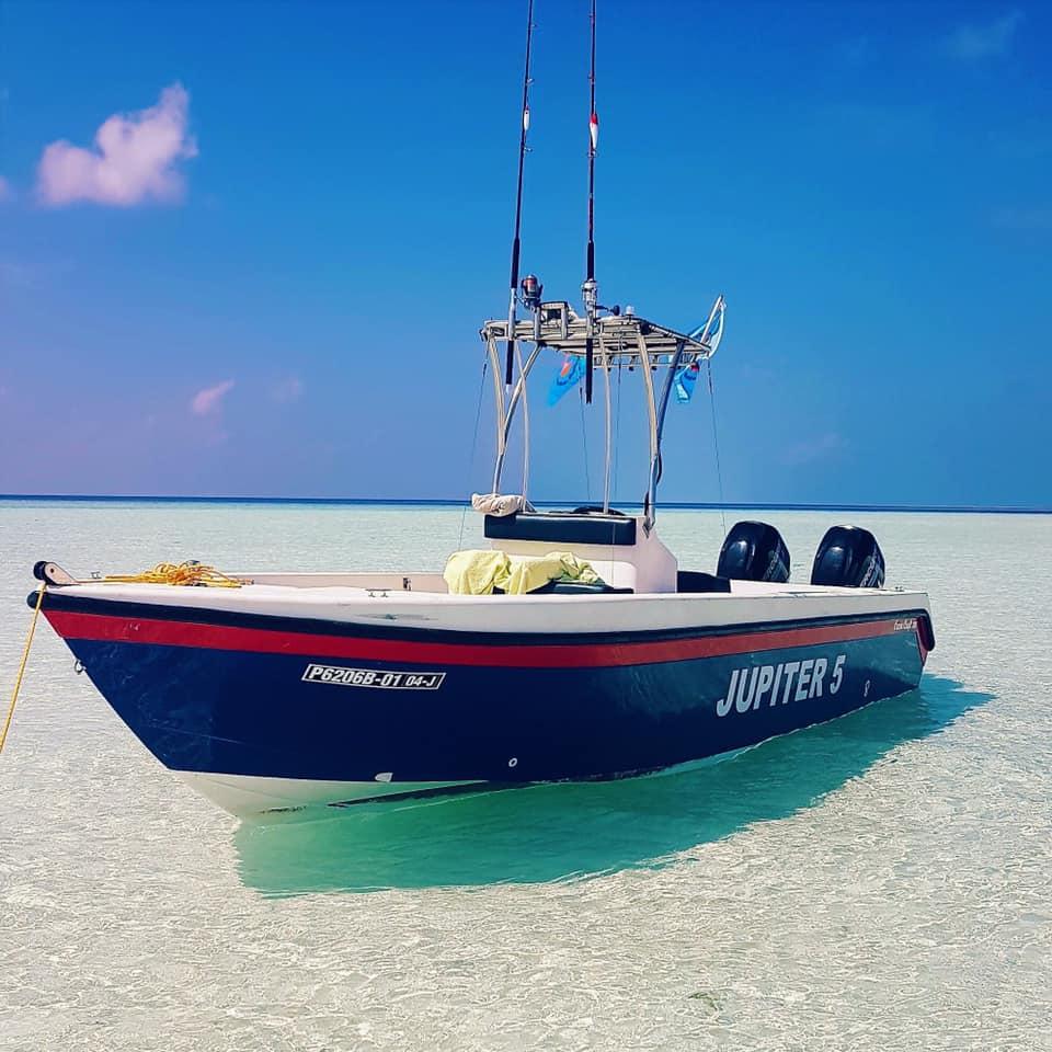 Boat Jupiter 5